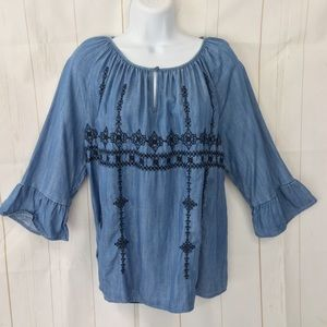 Crown & Ivy Embroidered Boho Blouse